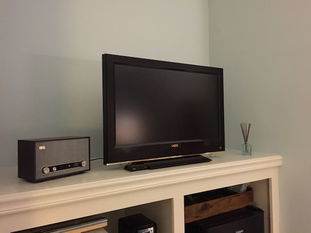 Bluetooth radio and cable TV