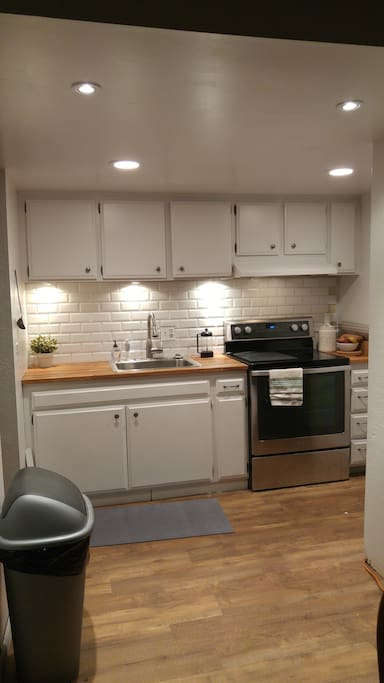 Cozy kitchen with updated appliances!