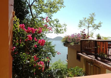 a room with a view 2 beds & balcony - Zihuatanejo