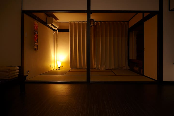 Tatami and woodie flooring  四谷