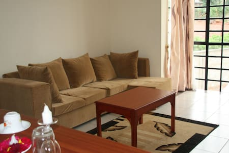 Makao Apartments. 6 Luxurious, Furnished Flats.