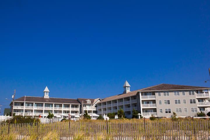 Sandpiper Beach Club - Cape Resorts