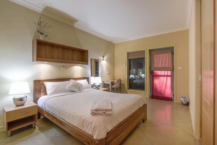 Bedroom1 - comfy bed
