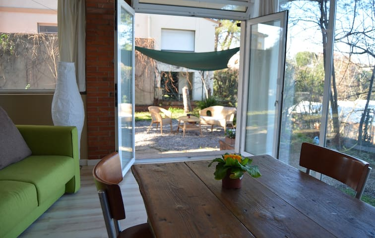 Private studio, panoramic view and garden - Girona - Rumah