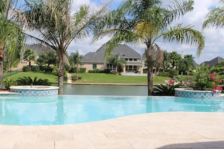 Gorgeous Lakefront Home with Pool