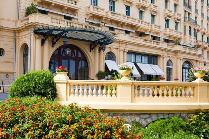 NEW! Sea front, 6km from Monte-Carlo