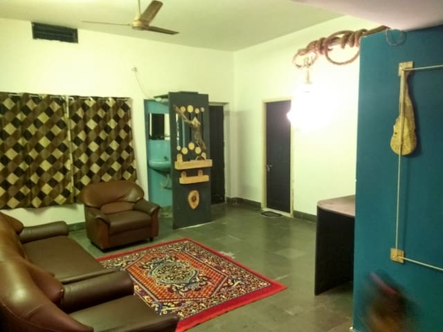 CITY CENTRE, Comfortable, Artful and Budget - Hyderabad - Casa
