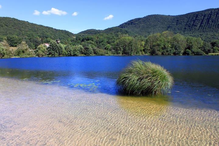Maison lac et montagne