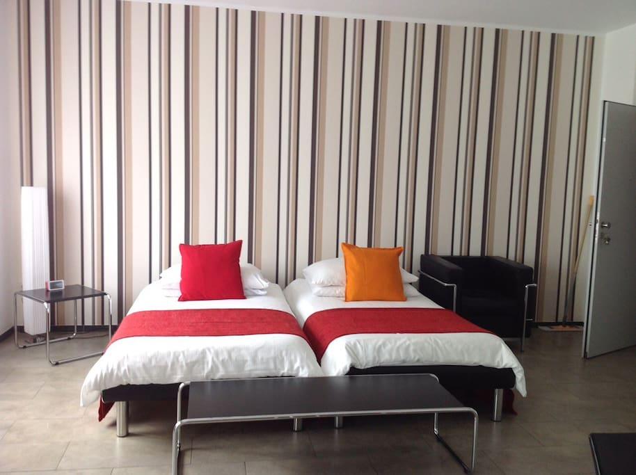 exklusive 2 zimmer wohnung in k ln wohnungen zur miete in k ln nordrhein westfalen deutschland. Black Bedroom Furniture Sets. Home Design Ideas