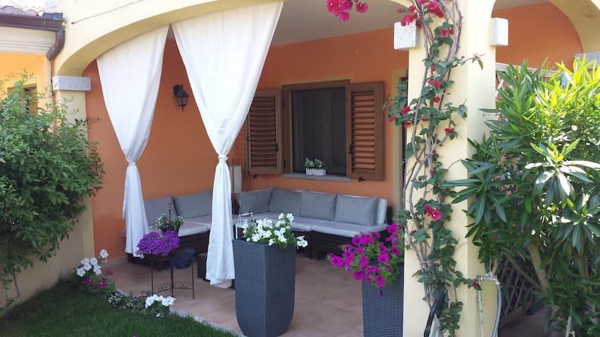 Casa con giardino - Olbia - House