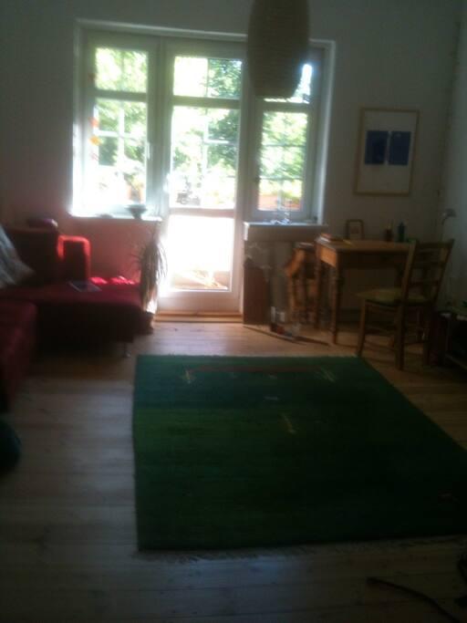 Ein großes, helles Wohnzimmer
