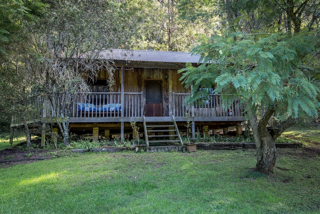 Pet friendly self contained rustic charming cabin for Self contained cabin