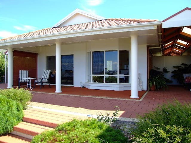 Close Encounters Bed & Breakfast - Victor Harbor - Pousada