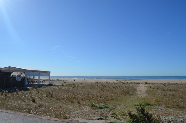 First line with sea views in Castelldefels