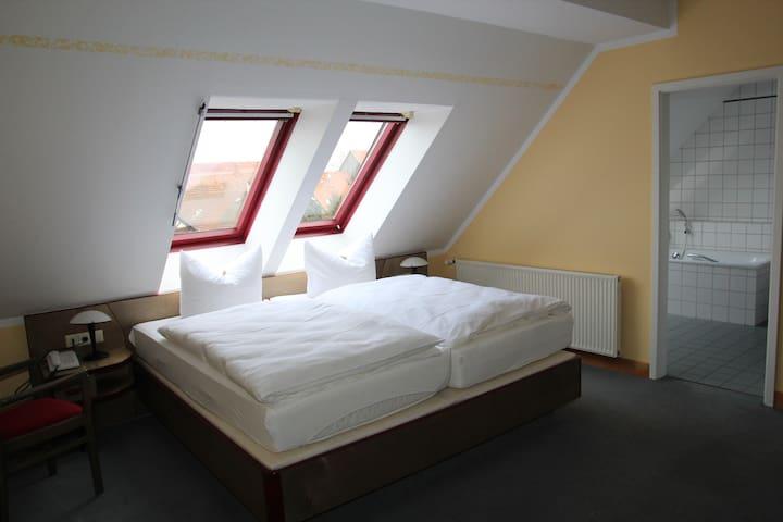 Doppelzimmer Stadtblick im Hotel Reutterhaus