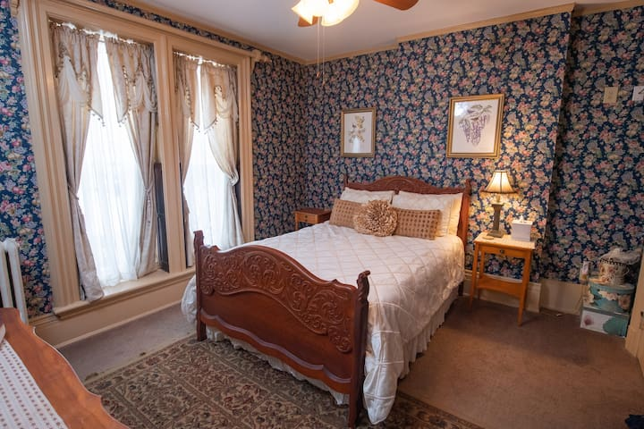 Mary's Room - Spencer House Bed & Breakfast