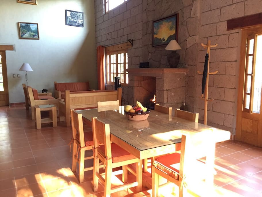 vista interior sala y comedor