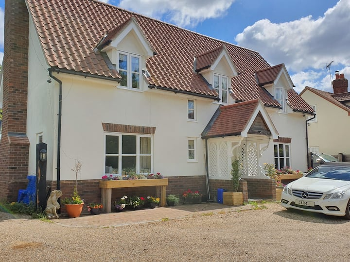 Westerfield Stylish single room Lovely countryside
