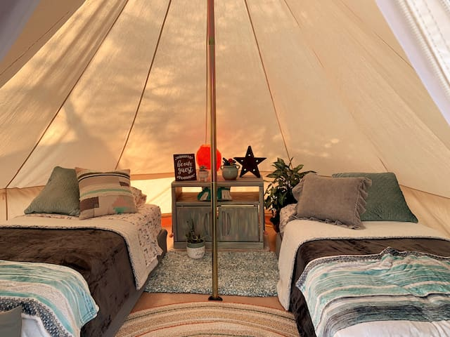 Outback Oasis Glamping-Peaceful, Private Space!