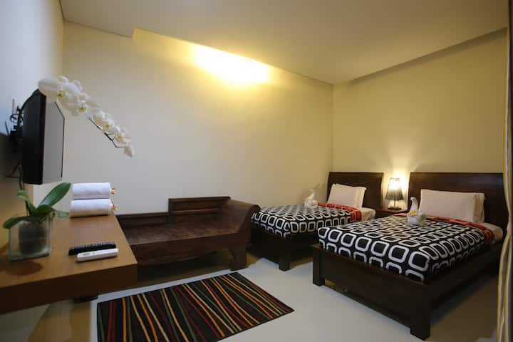Private bed room closed to sanur beach