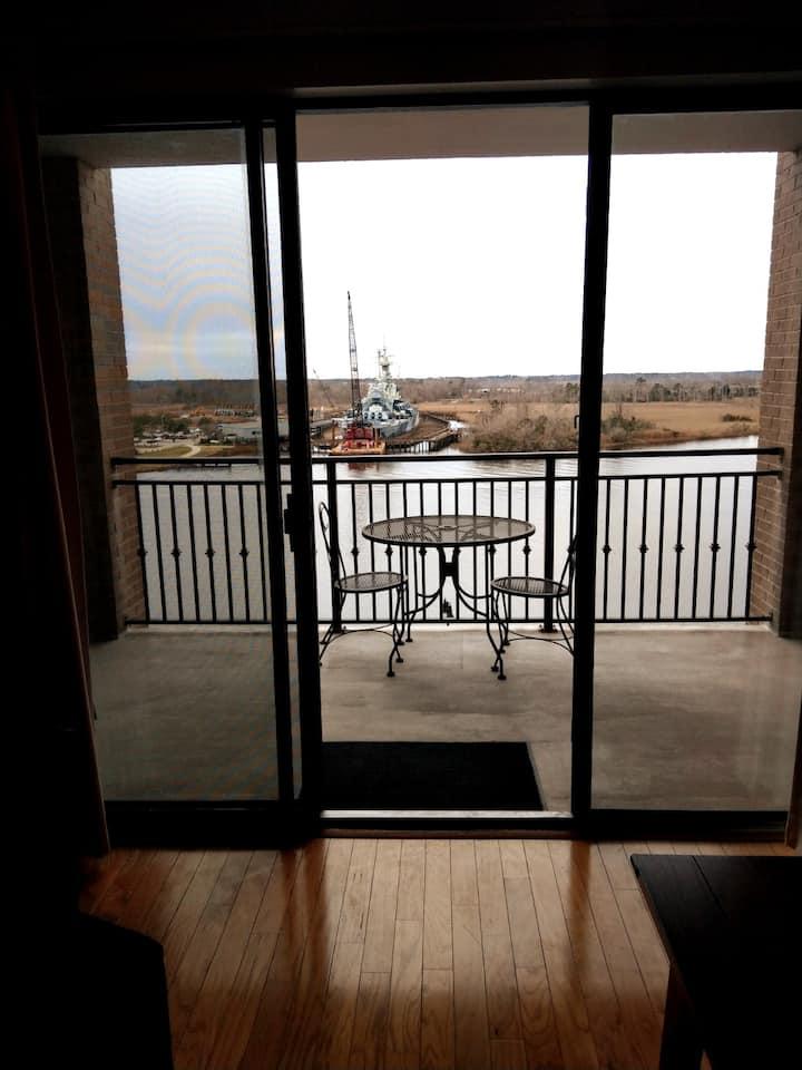 8th Floor Riverwalk Retreat w/ views to die for.