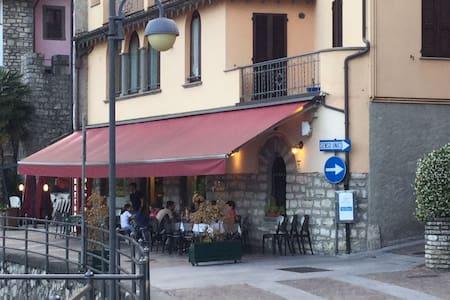 La Piazzetta, appartamento vicino a lago e servizi - Tavernola Bergamasca - Leilighet