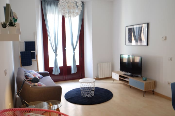 Newly, renovated and modern apartment- Tarragona