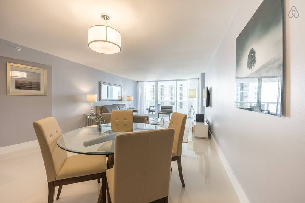 The Grand 2242 | 1bed/1.5bath | Free Valet Parking""