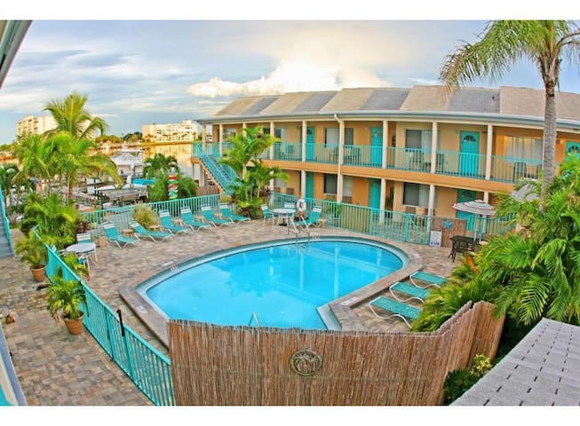 Five Palms Resort Suite #204 - Clearwater - Apartment