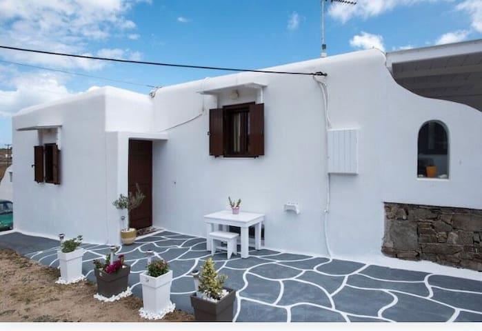 Paradise Dreams studio