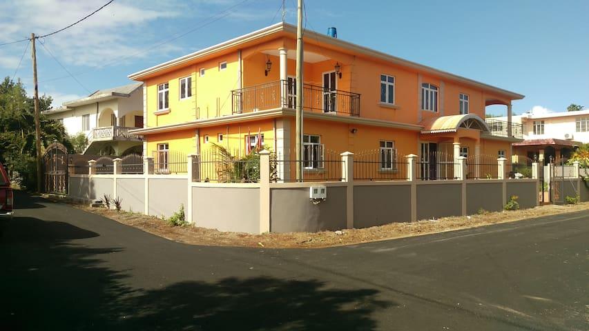 Villa Myosotis - Trou-aux-Biches - Villa