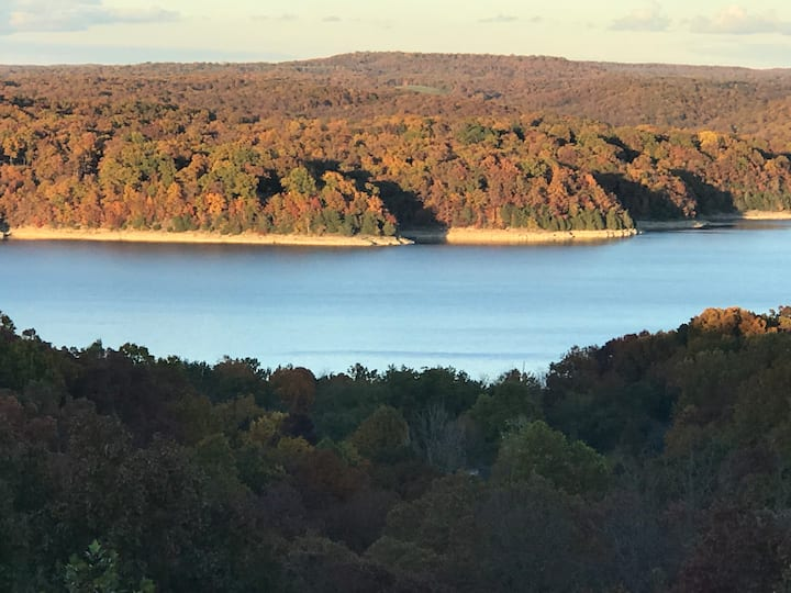 Beaver Lake Get Away—Beautiful View of Beaver Lake