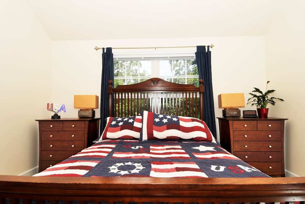 Our USA Guest Room with queen size bed.