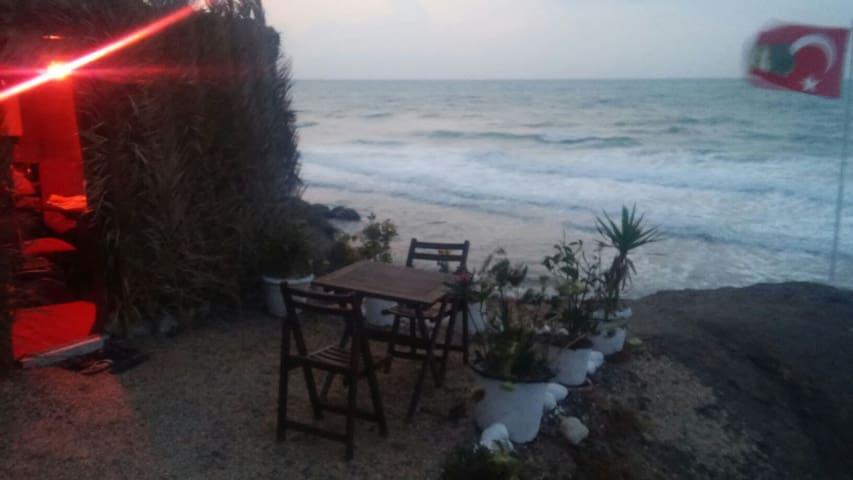 EŞSİZ KONUMDA DENİZE SIFIR DAĞ EVİ - Kısırkaya Köyü