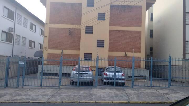 Kitnet mobiliada- Ribeirão Preto com vaga / carro.