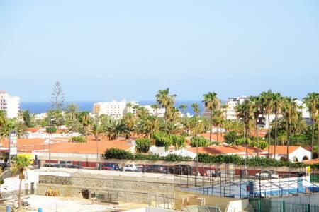 OCEAN VIEW-WIFI FREE Playa del Ingles center.YUMBO - Playa del Ingles, Maspalomas - San Bartolome' de Tirajana