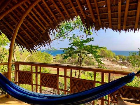 "Jiwa Laut Eco Bamboo Lodge ""Honeymoon"""