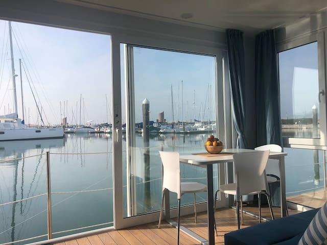 Floating Resort Rimini - Life