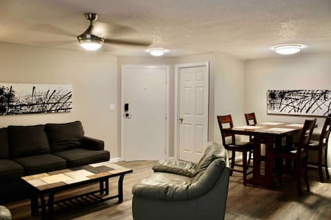 *Lake Access/Dock Available* Lovely 2bedroom condo
