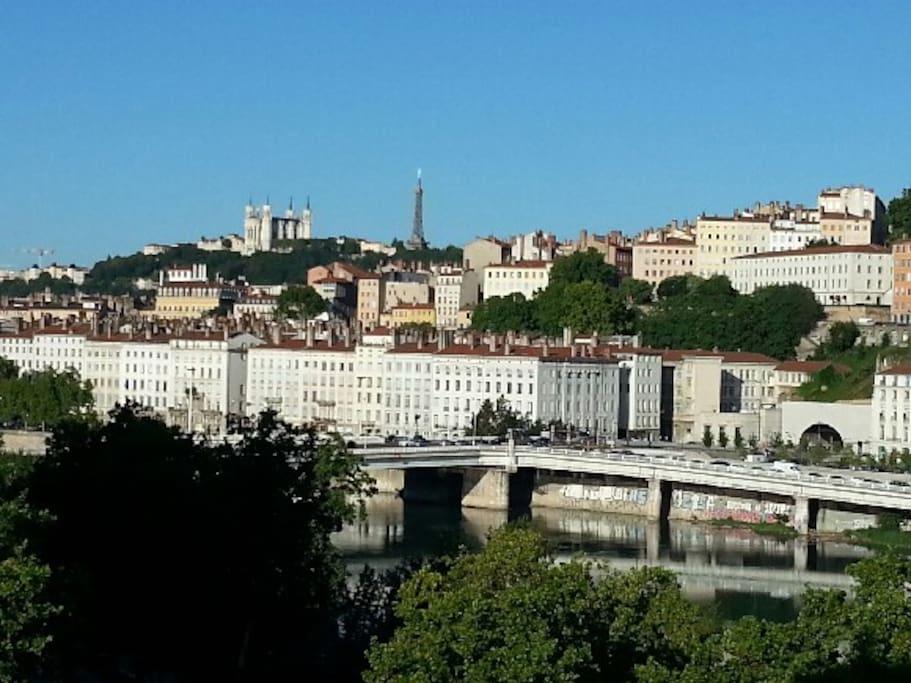 Vue exceptionnelle sur Rhône et Fourvière.