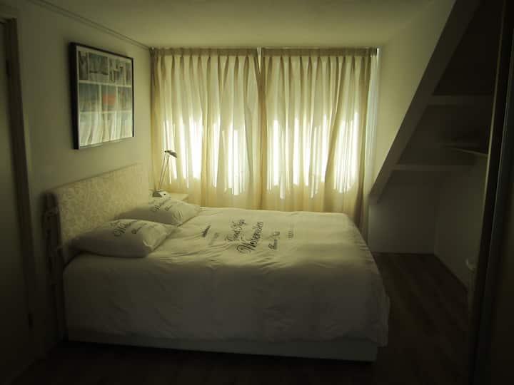 Big cozy private room in Zandvoort near Formule 1.