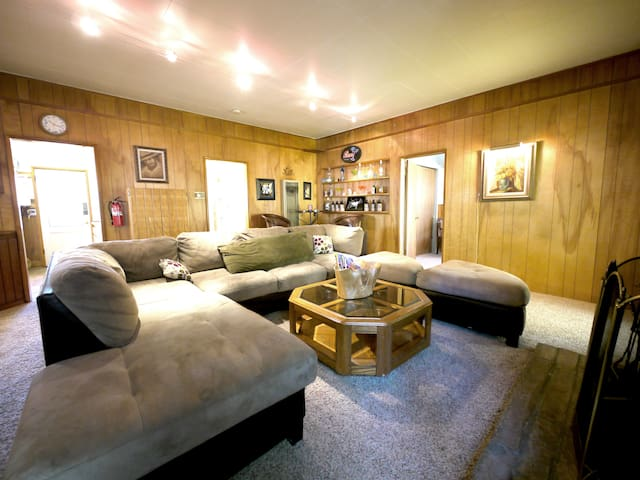 Big bear lake 3bdr cabin rental 1 h user zur miete in - Schlafzimmer bild a ber bett ...