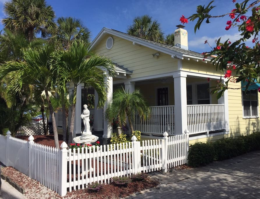 Key West Style House Wrap Around Porch Gulf Views Houses For Rent In Clearwater Florida