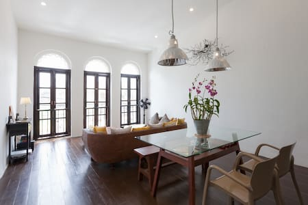 A charming apartment in Phuket old town - Phuket - Departamento