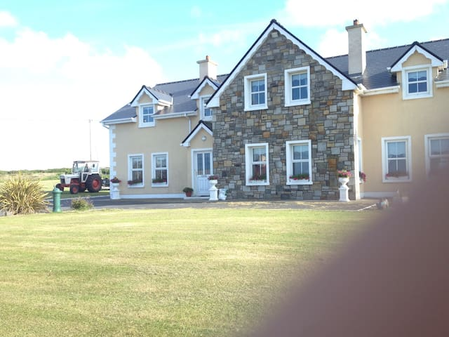 Room with double bed with onsite - Belmullet - Casa