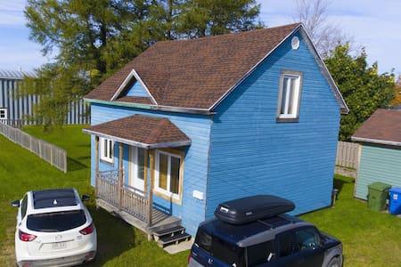 La petite maison bleue - Matane