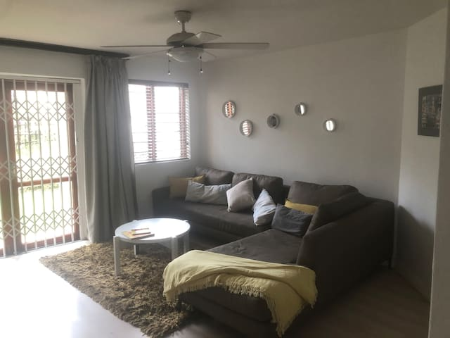 Modern homely Flat for short or long term stay