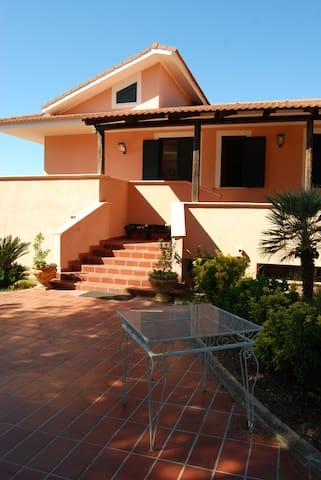 Appartamento in Villa Capo Vaticano - Gurdurello - วิลล่า