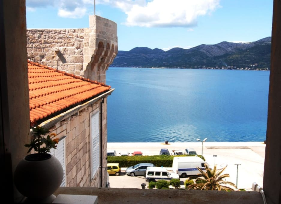 Kanavelic apartment - 30 meters from Pebble stone beach. Amazing Ocean view