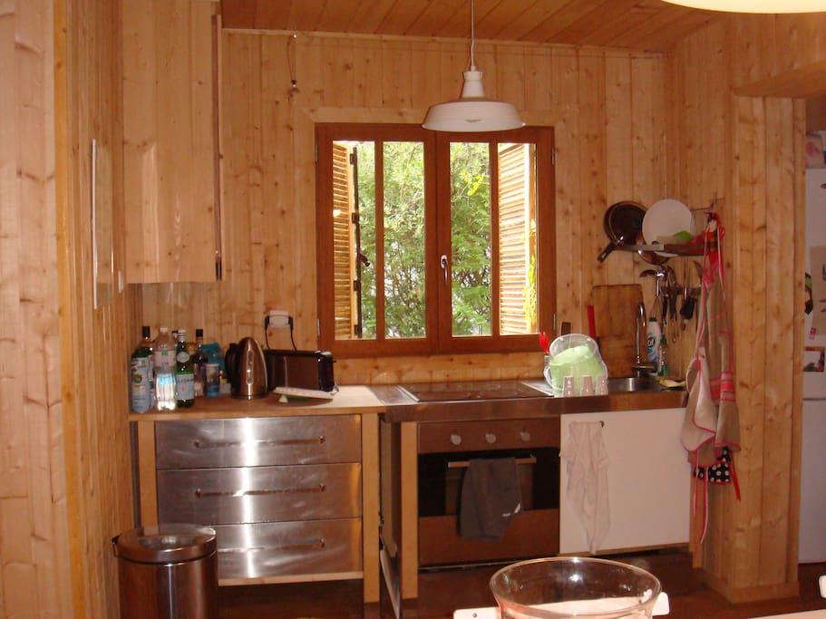 maison style cabanne en bois houses for rent in l ge cap. Black Bedroom Furniture Sets. Home Design Ideas